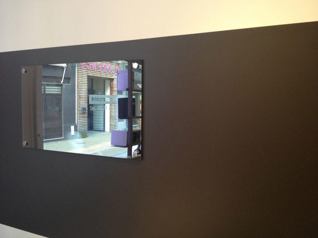 installer des enceintes invisibles domowest. Black Bedroom Furniture Sets. Home Design Ideas